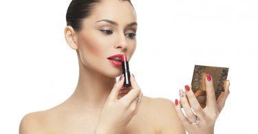 Lippenstift selber machen 375x195 - Die perfekten Augenbrauen