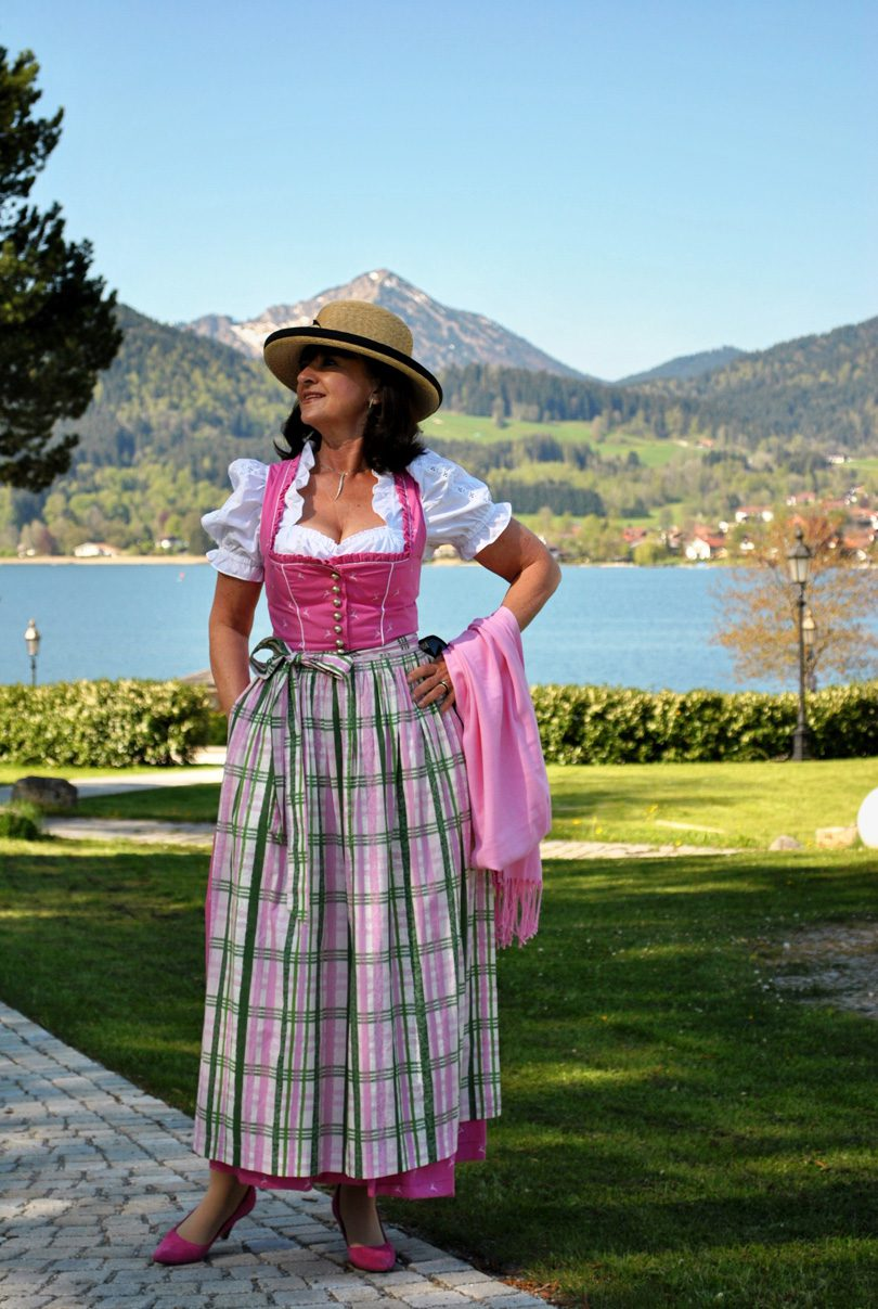 Martina Berg Dirndl 810x1207 - Bloggervorstellung – Lady 50PLUS Martina Berg