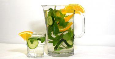 Wasserkrug Kopie 375x195 - Infused Water – ein gesundes Geschmackserlebnis