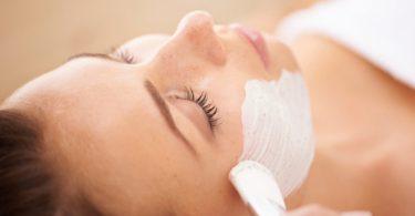 gesichtsmaske 375x195 - Der neueste Trend: Warme Beautymasken