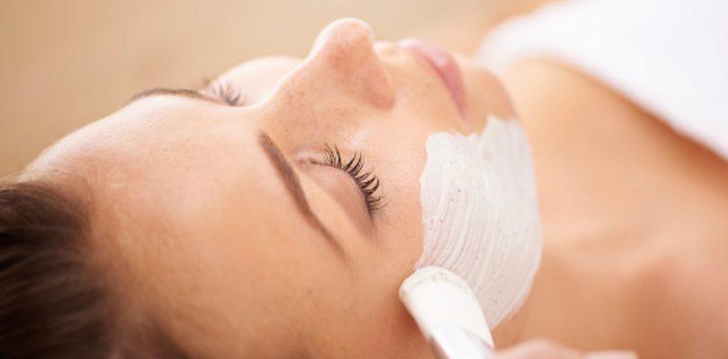 gesichtsmaske 810x400 - Der neueste Trend: Warme Beautymasken