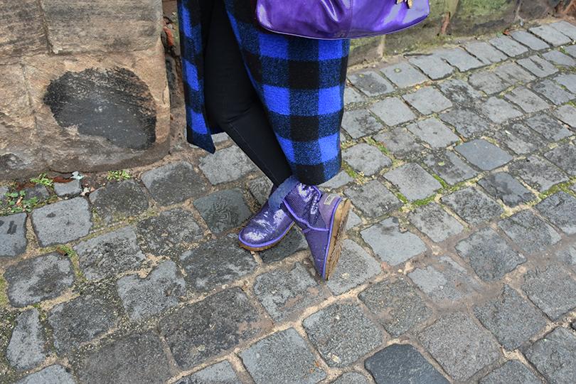Galerie Stilheldin blau Schuhe 810x540 - Stilhelden des Alltag – Alle Trends in einem Outfit vereint