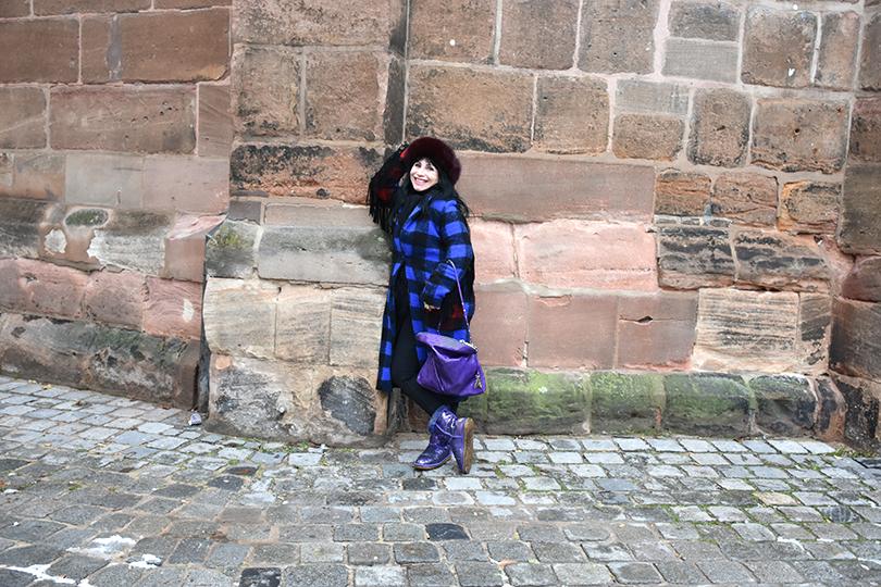 Galerie Stilheldin blau ganz 810x540 - Stilhelden des Alltag – Alle Trends in einem Outfit vereint