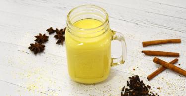 milch2 1 375x195 - Goldene Milch - der Geheimtipp für Körper und Geist