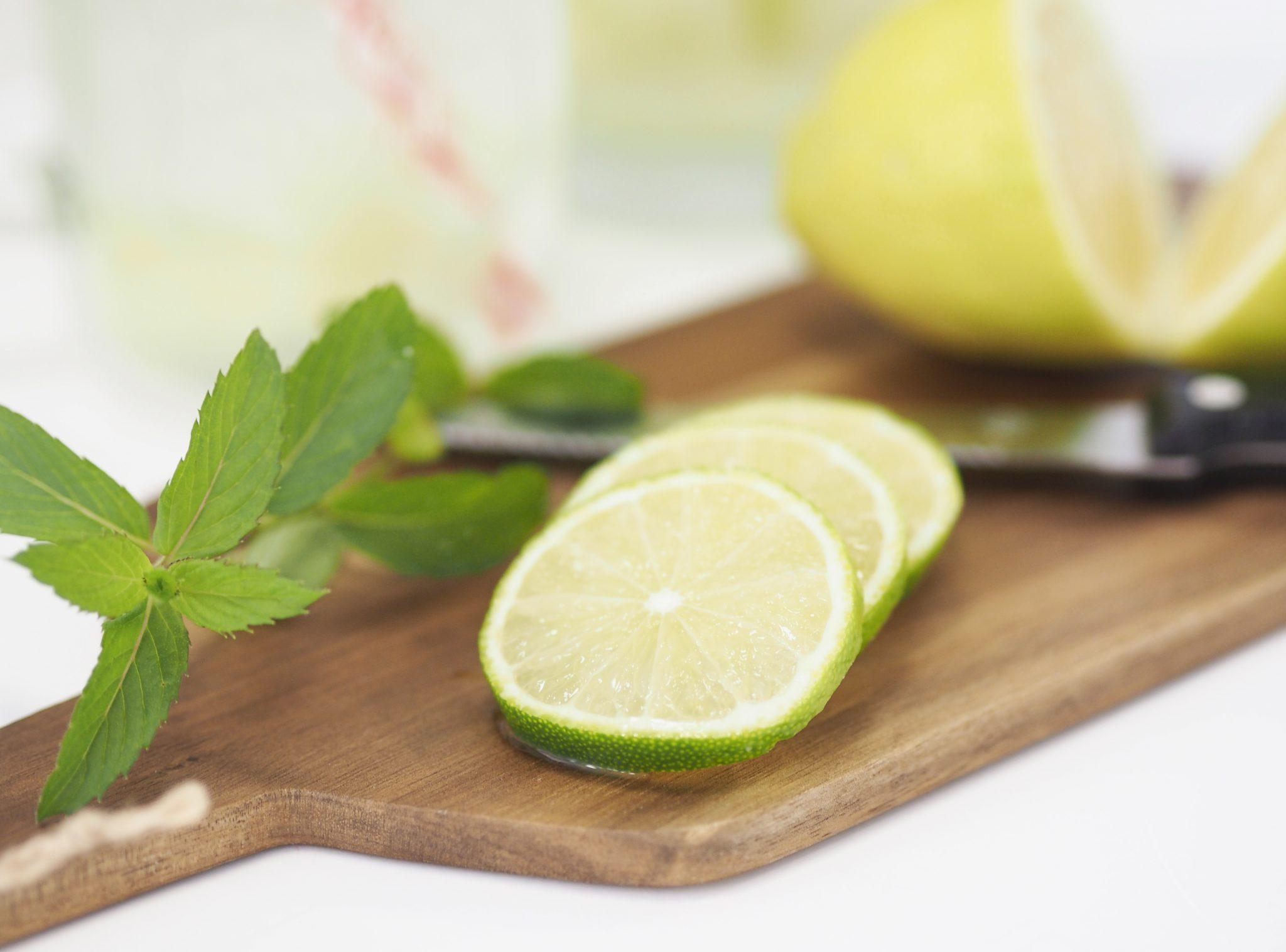 P6280189bearb - Erfrischendes Sommerrezept: Melonenbowle mit Zitrone