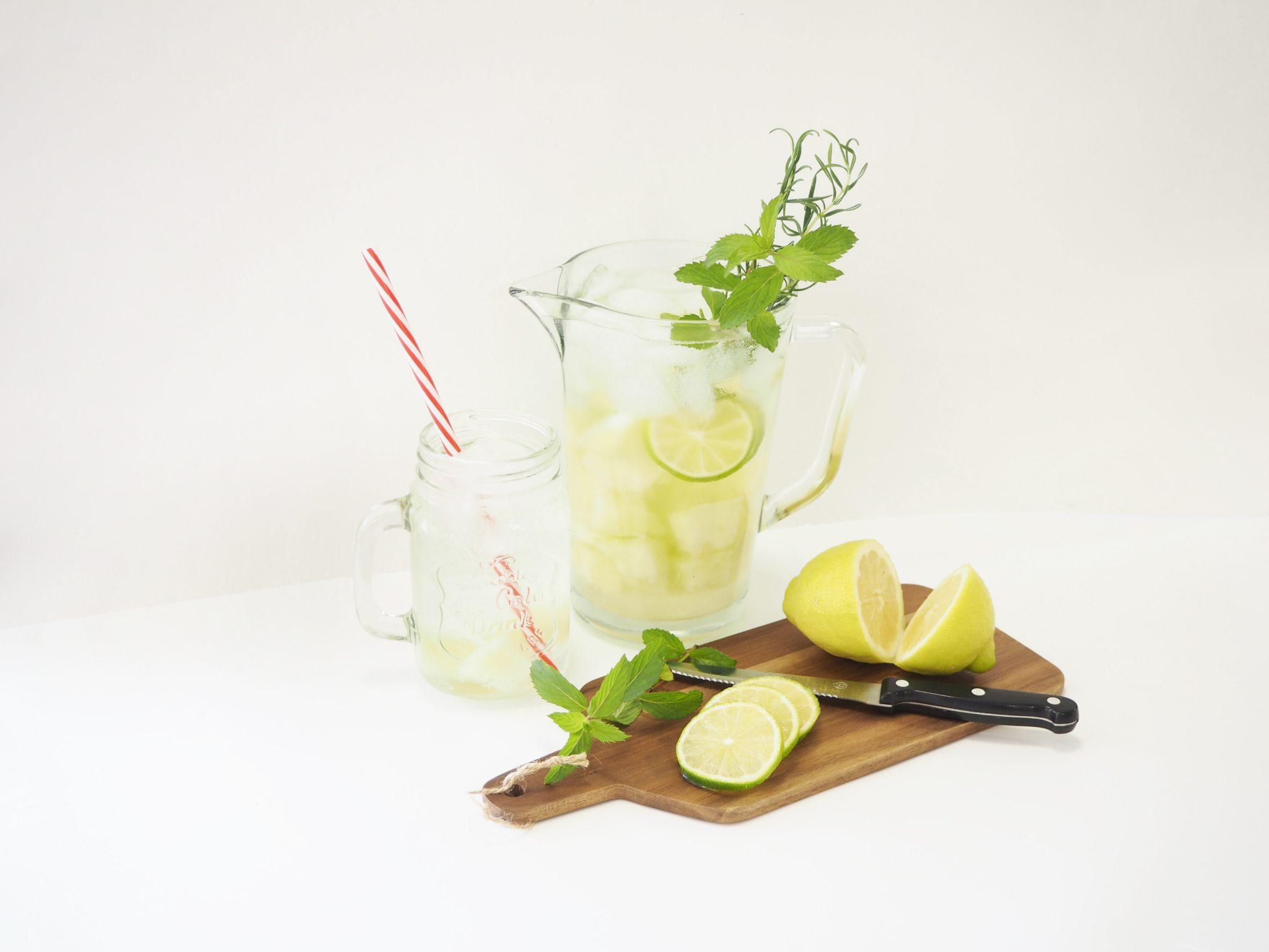 P6280232neu - Erfrischendes Sommerrezept: Melonenbowle mit Zitrone
