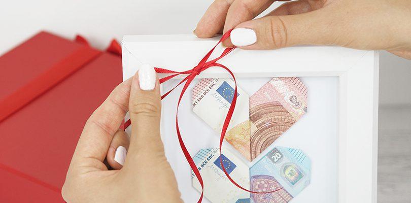 Header 810x400 - Geldgeschenk basteln: So faltest Du Herzen aus Geldscheinen