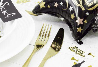 Tischset mit Dekoration für Silvester