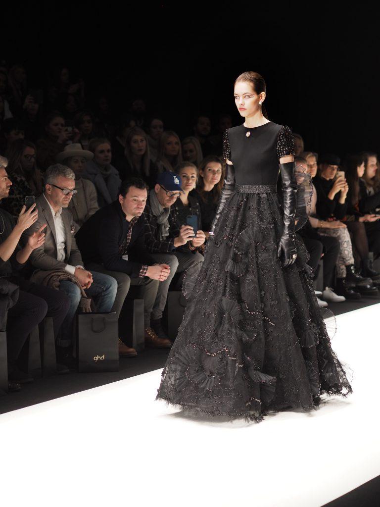 Fashionshow Irene Luft Look 2