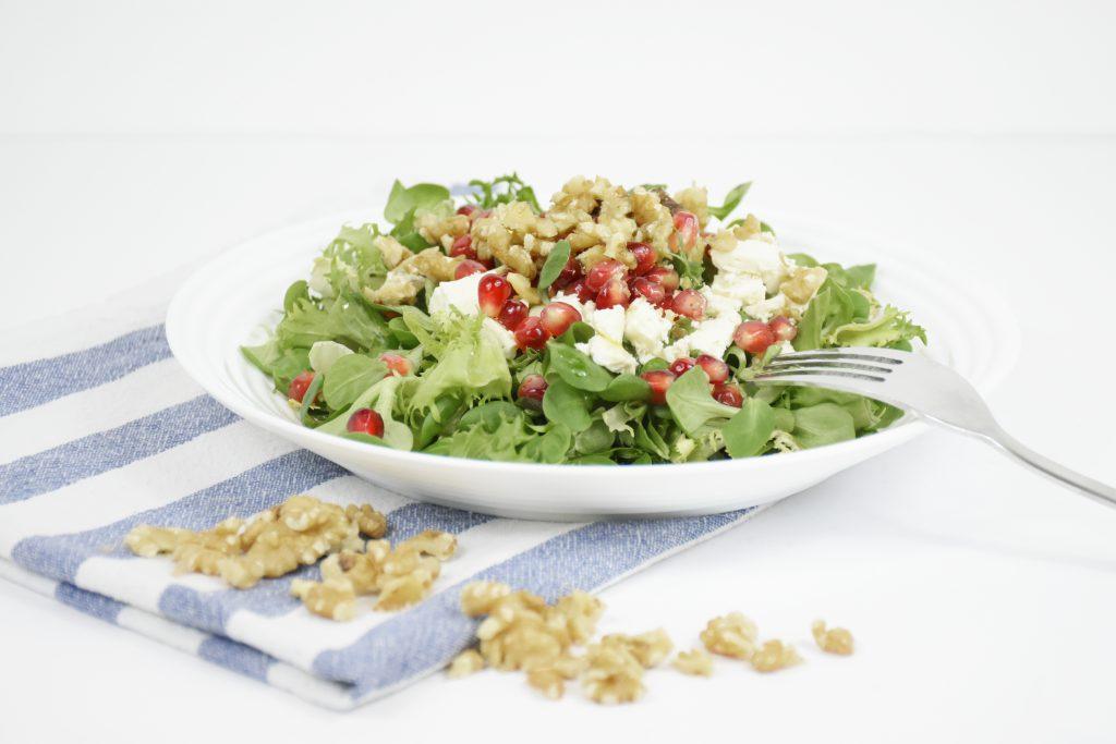 Walnuss Feta Salat 1024x683 - Wintersalat: Kochideen für die kalte Jahreszeit