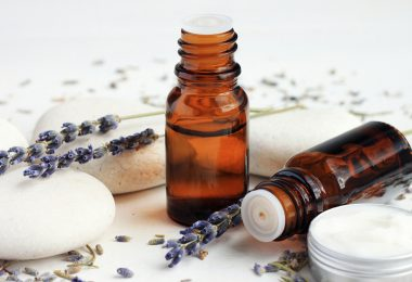 Lavendelöl und Lavendelcreme
