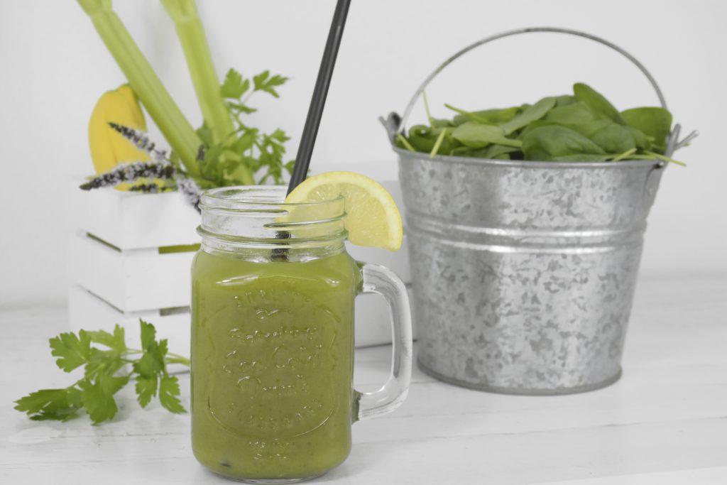Smoothie grün 1024x683 - Grüne Smoothies:        Rezepte in tollen Varianten!