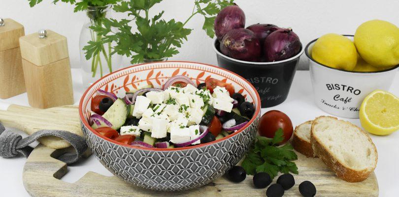 header griechischer salat 810x401 - Griechischer Salat für den Spätsommer
