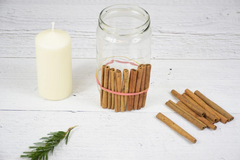 Zimt Kerze 1024x683 - Kerzen selbst gestalten: weihnachtliche Bastelideen