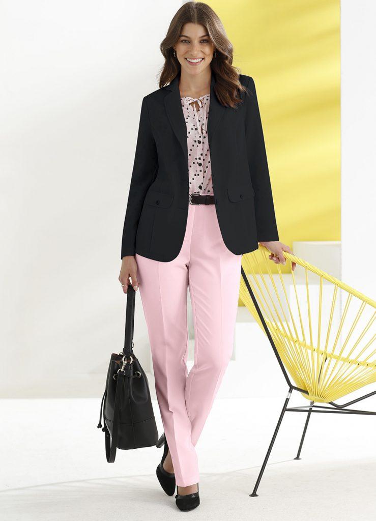 Ein einfarbiger Blazer ist ein absolutes Fashion-Basic