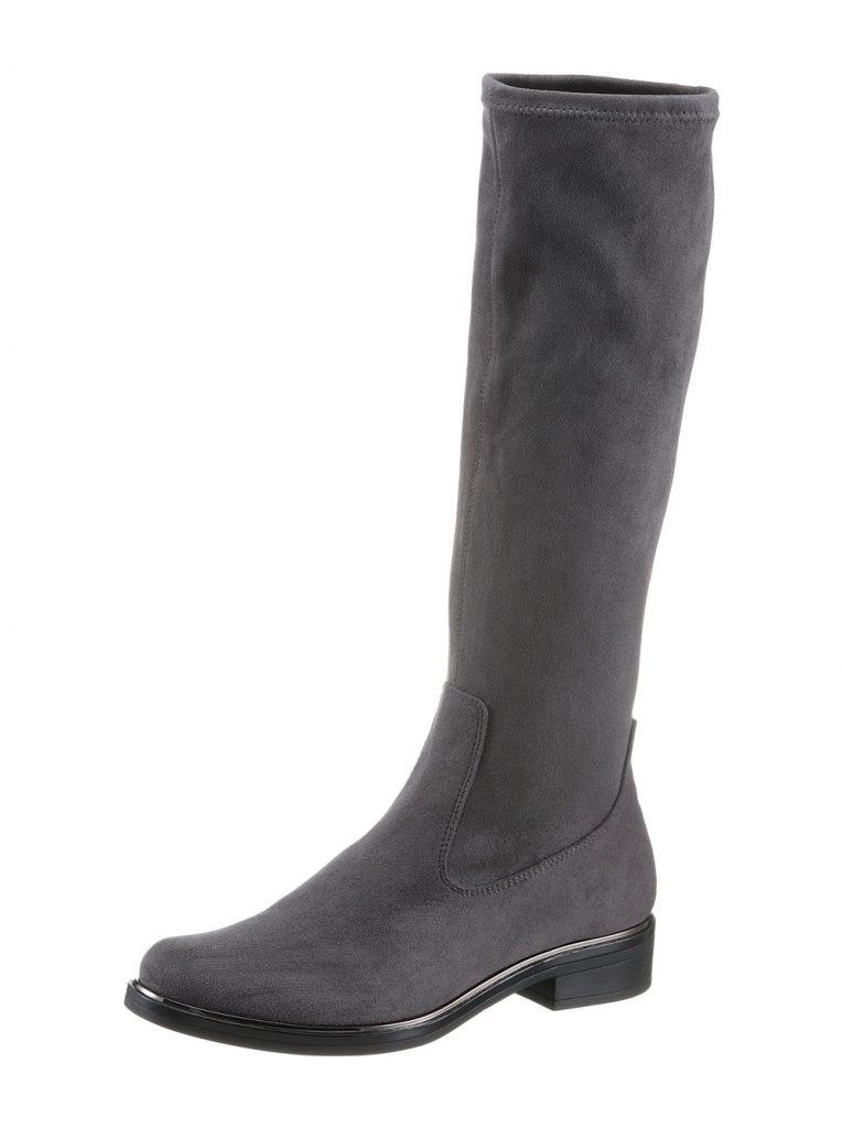 Graue Stiefel fürs Herbst Outfit